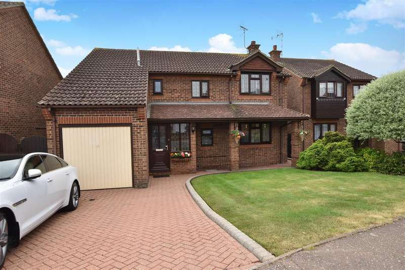4 Bedrooms Detached House for sale in Copelands, Rochford