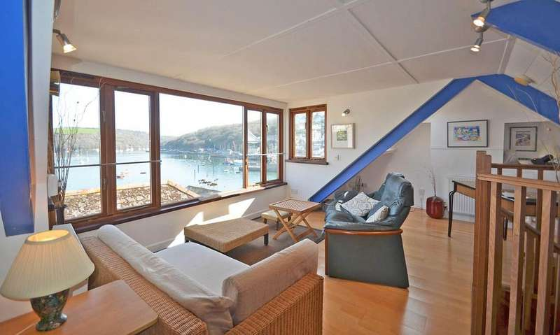 2 Bedrooms Detached House for sale in Polruan, Nr. Fowey, Cornwall, PL23