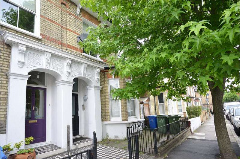 3 Bedrooms Flat for sale in Derwent Grove, East Dulwich, London, SE22