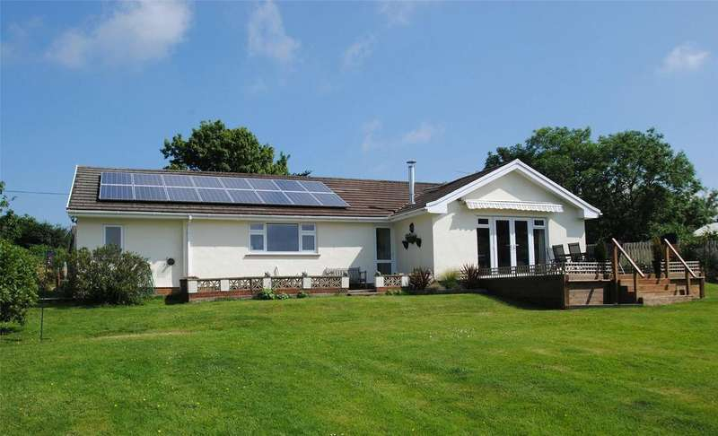 3 Bedrooms Detached Bungalow for sale in Mariansleigh, South Molton