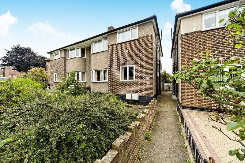 2 Bedrooms Flat for sale in Meadowview Road, London, SE6