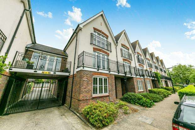 4 Bedrooms End Of Terrace House for sale in Guildford, Surrey, England