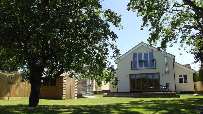 5 Bedrooms Detached House for sale in The Street, Cherhill, Calne, Wiltshire, SN11