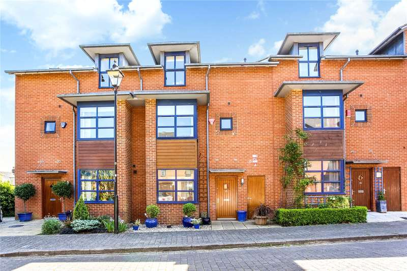 4 Bedrooms Terraced House for sale in Silchester Place, Winchester, Hampshire, SO23