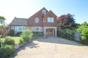 4 Bedrooms Detached House for sale in Mill Lane, Trotton, Petersfield, West Sussex