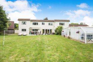 6 Bedrooms Detached House for sale in St Helens Road, Hastings, East Sussex