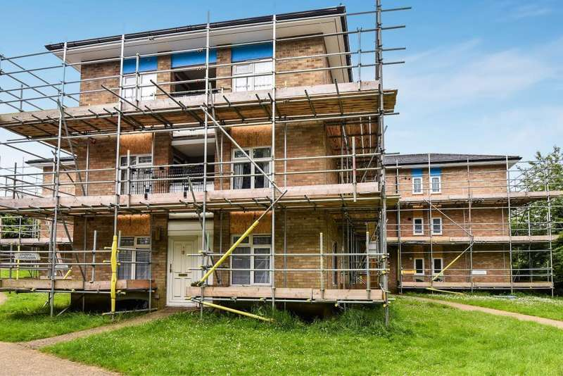 1 Bedroom Flat for sale in Wycombe View, Flackwell Heath, HP10