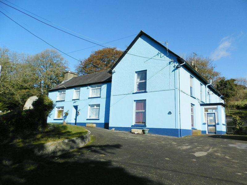 9 Bedrooms Detached House for sale in Prengwyn Road, Llandysul