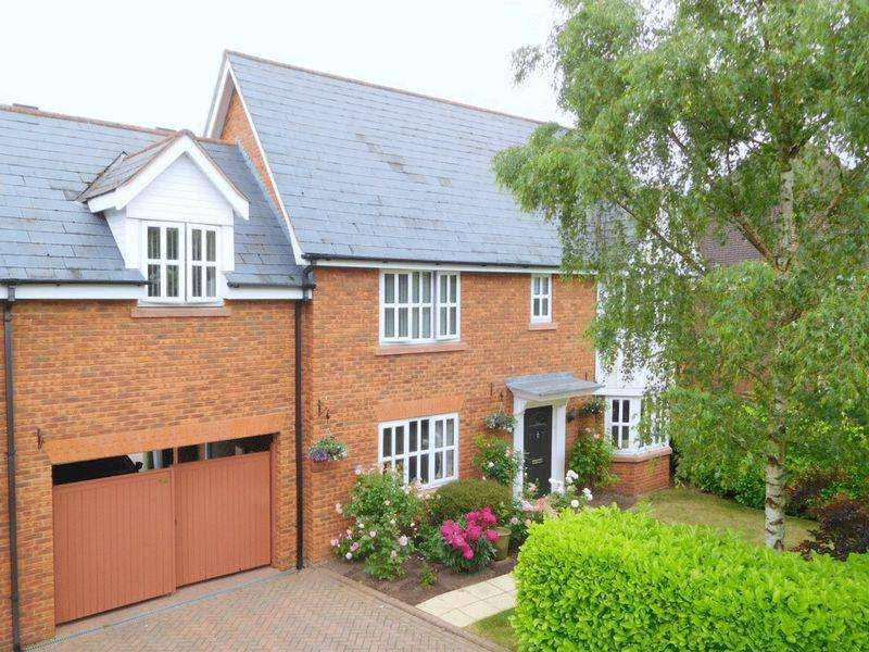 4 Bedrooms Link Detached House for sale in Chalfont Crescent, Wychwood Park, Weston