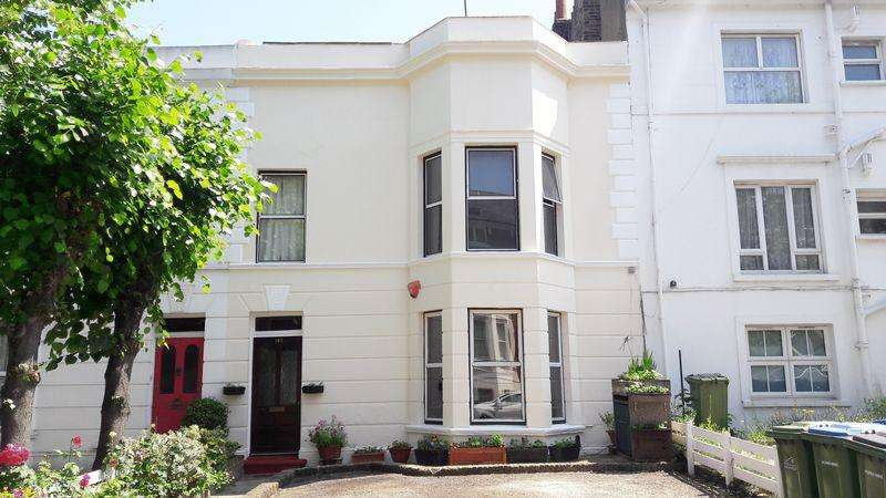 1 Bedroom Ground Flat for sale in Burrage Road, Woolwich, SE18 7JZ