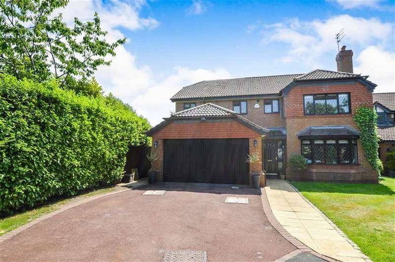 5 Bedrooms Detached House for sale in Minster Drive, Bowdon, Cheshire, WA14