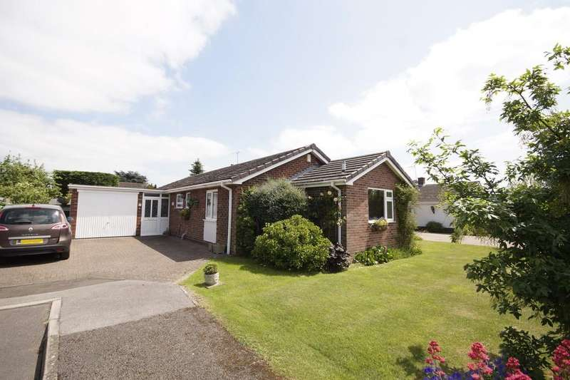 3 Bedrooms Detached Bungalow for sale in Elm Close, Saxilby