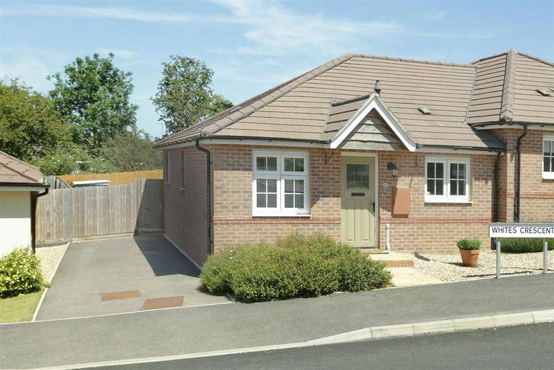 2 Bedrooms Semi Detached Bungalow for sale in Whites Crescent, Market Harborough