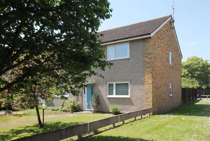 4 Bedrooms Semi Detached House for sale in Fairfax Road, Farnborough