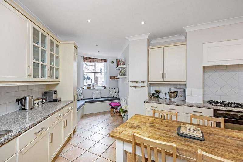 2 Bedrooms Flat for sale in Challoner Street, Fulham