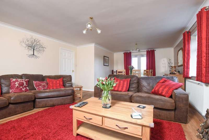 3 Bedrooms Flat for sale in Woodcote, Reading, RG8