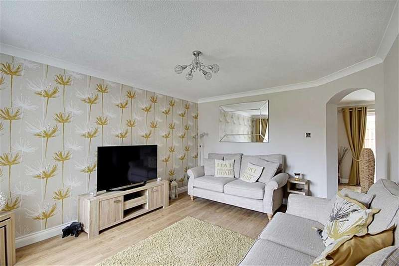 3 Bedrooms Detached House for sale in Fareham Grove, Harden Park, Tyne And Wear