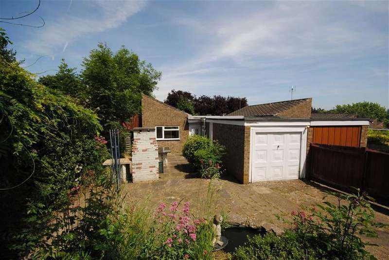3 Bedrooms Semi Detached Bungalow for sale in Knaves Hill, Linslade