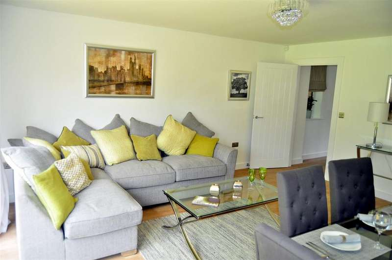 3 Bedrooms Semi Detached House for sale in Sedgley Gardens, Oaksherd Mews, Tipton