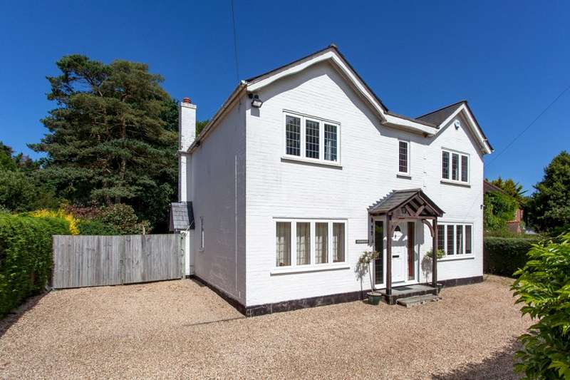 4 Bedrooms Detached House for sale in Burchetts Green Road, Burchetts Green, Maidenhead, Berkshire, SL6