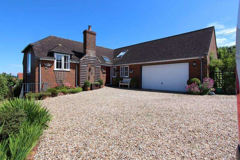 3 Bedrooms Detached House for sale in Broad Oak, Sturminster Newton, Dorset