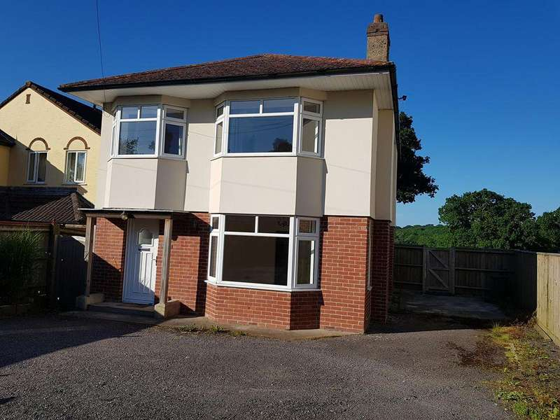 3 Bedrooms Detached House for sale in Lyme Road, Axminster, Devon