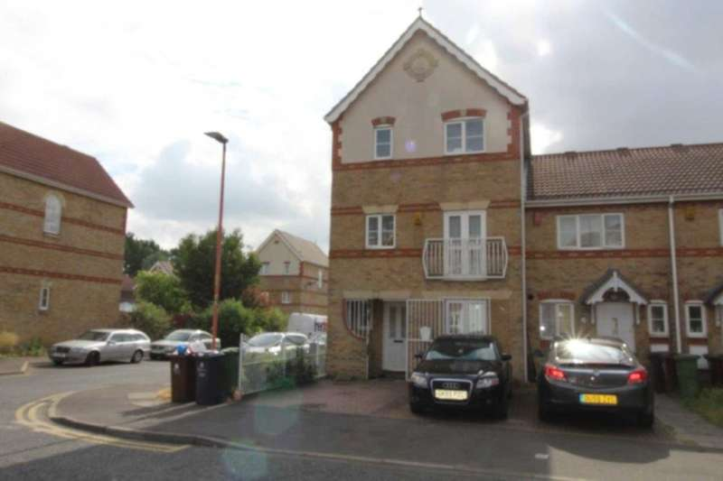 5 Bedrooms Town House for sale in Stern Close, IG11 0XW