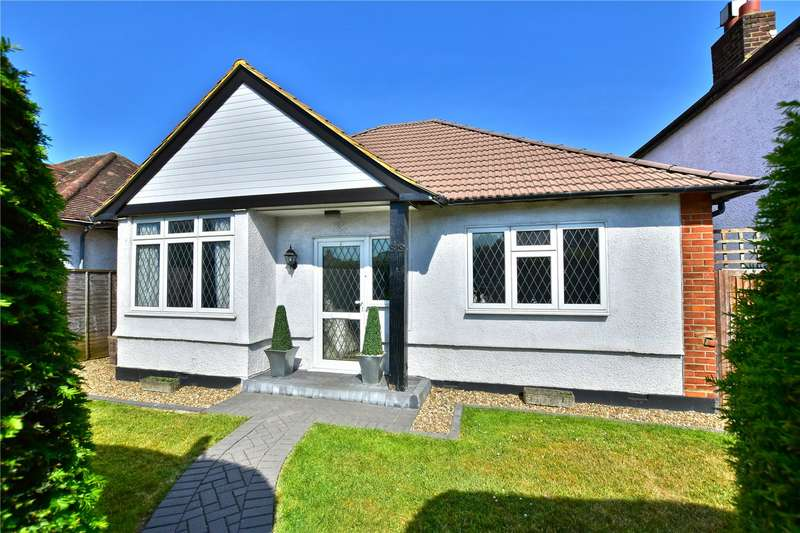 3 Bedrooms Detached Bungalow for sale in St Albans Road, Watford, WD25