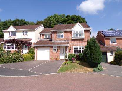 4 Bedrooms Detached House for sale in Honiton, Devon