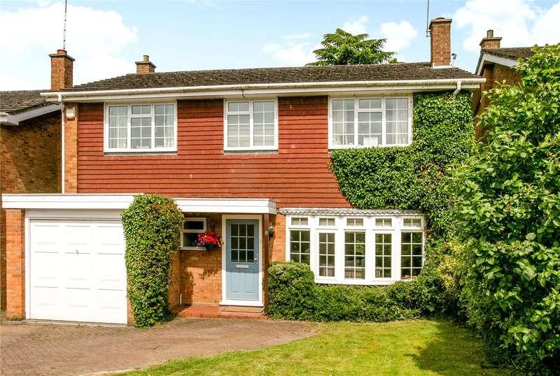 4 Bedrooms Detached House for sale in Hillcroft Road, Penn, Buckinghamshire, HP10