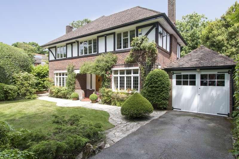 4 Bedrooms Detached House for sale in Dean Park