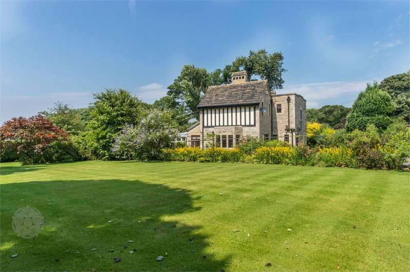 4 Bedrooms Detached House for sale in Bass Lane, Summerseat, Bury, BL9