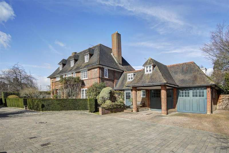 6 Bedrooms Detached House for sale in Linnell Drive, NW11