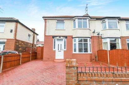 3 Bedrooms Semi Detached House for sale in Marina Grove, Runcorn, Cheshire, WA7