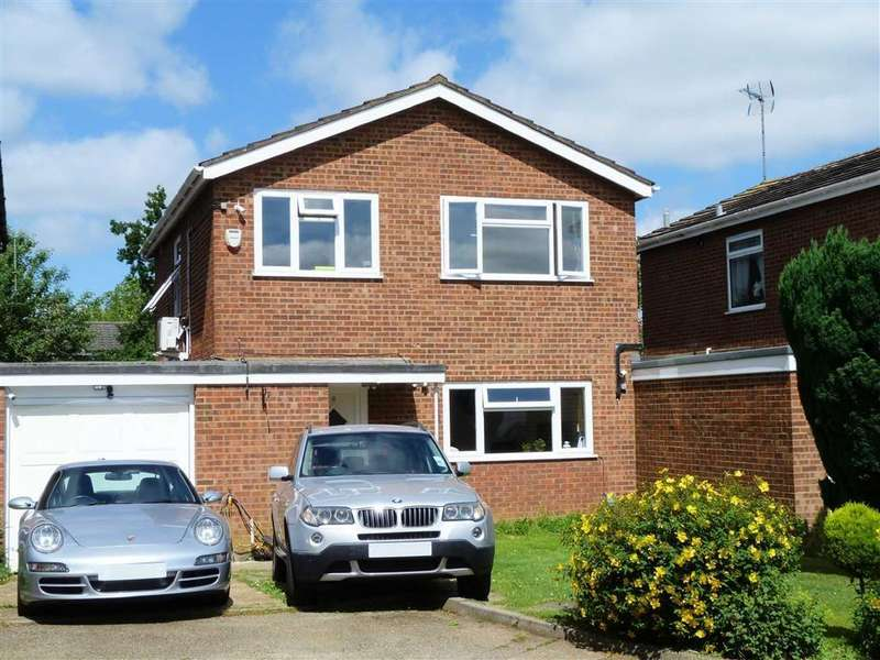 3 Bedrooms Detached House for sale in Robin Mead, Welwyn Garden City