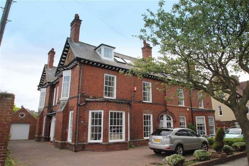 7 Bedrooms Semi Detached House for sale in Beverley Gardens, Cullercoats, NE30