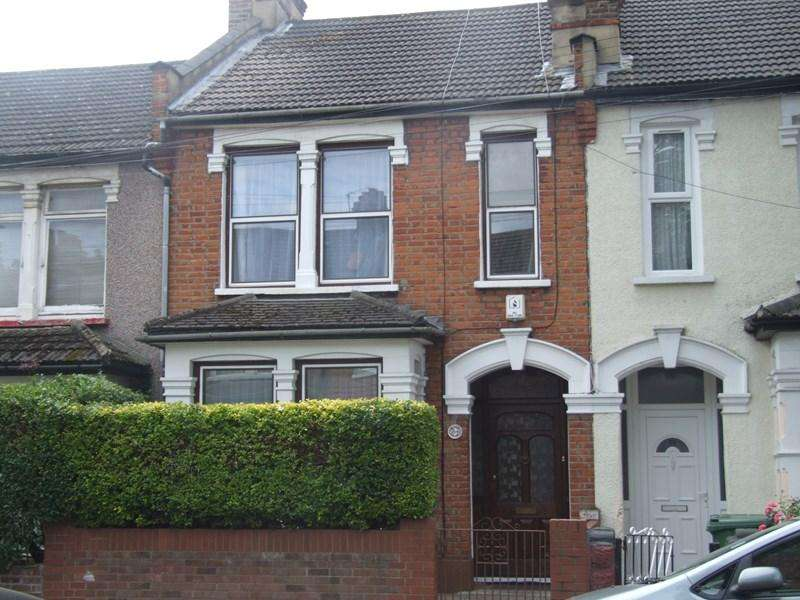 3 Bedrooms Terraced House for sale in Chesterford Road, Manor Park