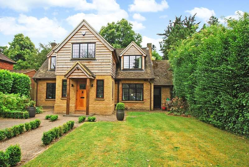 4 Bedrooms Detached House for sale in Burkes Close, Beaconsfield, HP9