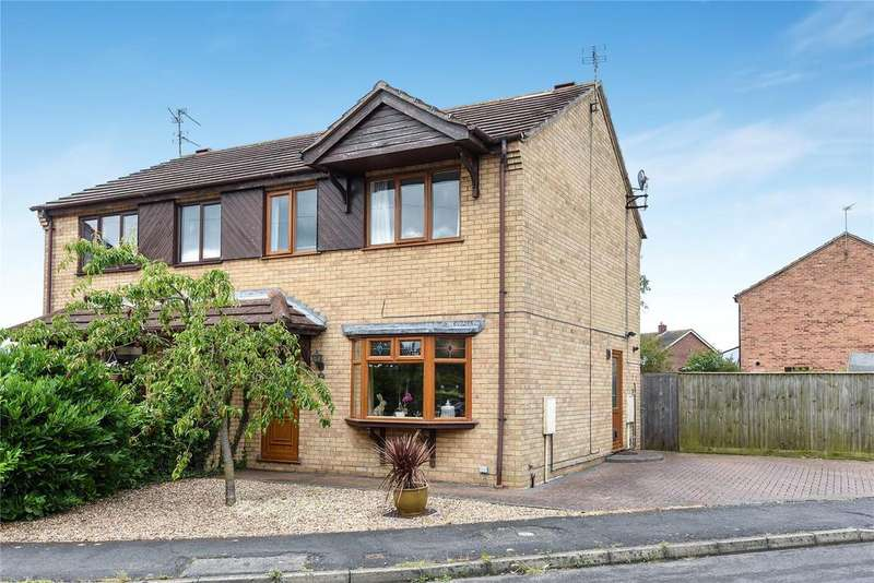 3 Bedrooms Semi Detached House for sale in Cliffe Avenue, Ruskington, NG34