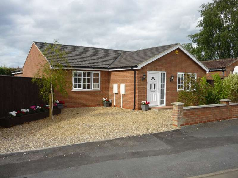 3 Bedrooms Detached Bungalow for sale in Eastbourne Road, Chatteris