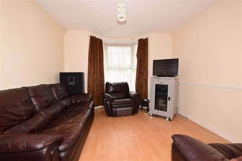 3 Bedrooms Terraced House for sale in Albert Square, Stratford