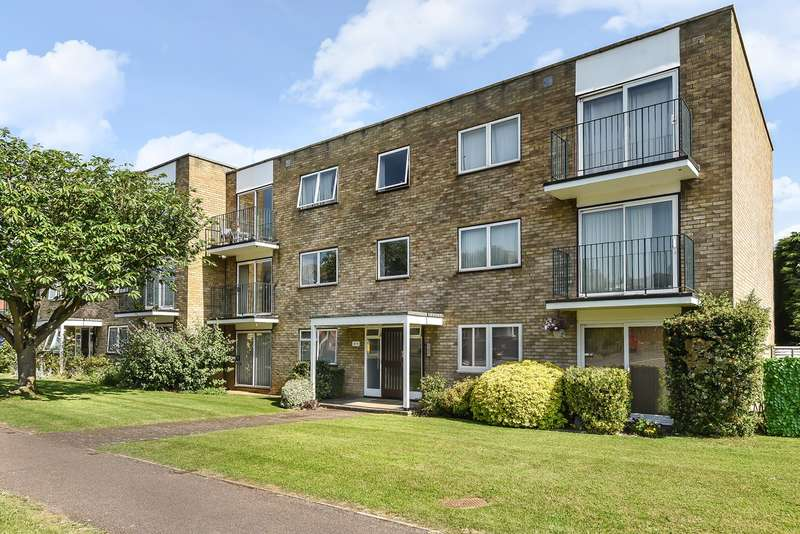 2 Bedrooms Apartment Flat for sale in Stevenage Road, Hitchin, SG4