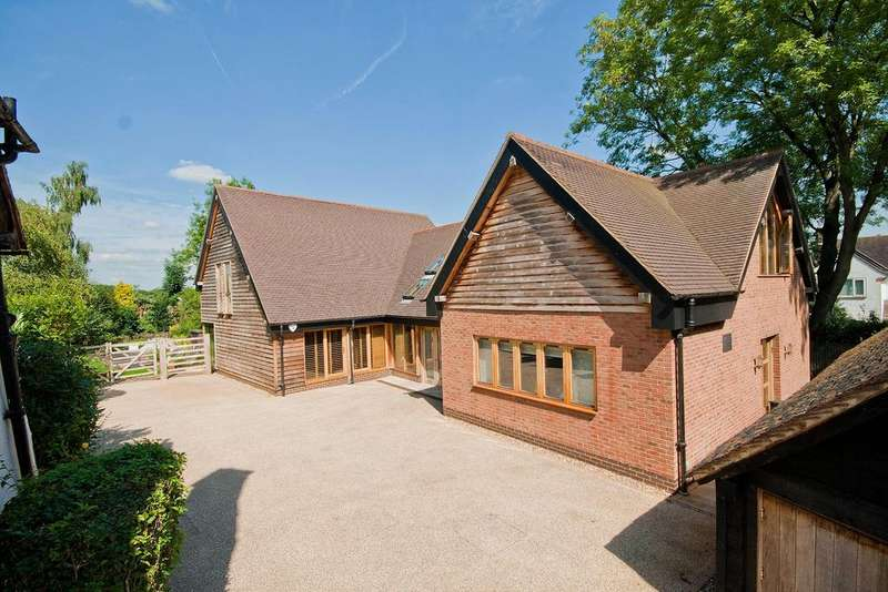 4 Bedrooms Detached House for sale in East End Farm, Moss Lane, Pinner Village