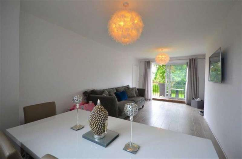 2 Bedrooms Town House for sale in Draxford Court, Parkway, Wilmslow