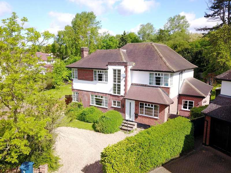 4 Bedrooms Detached House for sale in West Drive Gardens, Harrow, Middlesex HA3 6TT