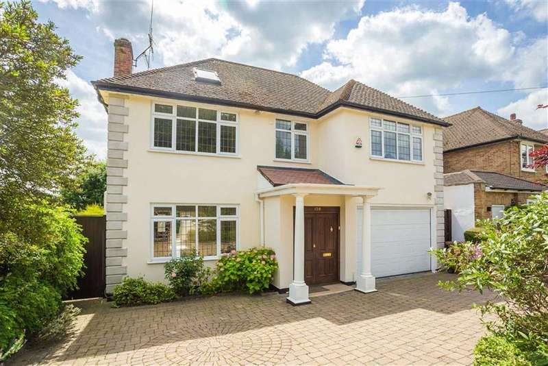 5 Bedrooms Detached House for sale in Moffats Lane, Brookmans Park, Hertfordshire