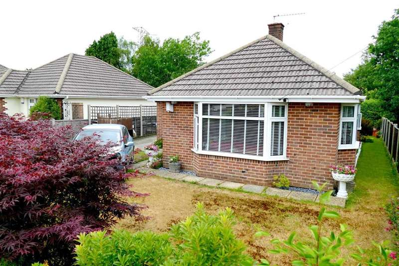 3 Bedrooms Detached Bungalow for sale in Bloxworth Road, Poole