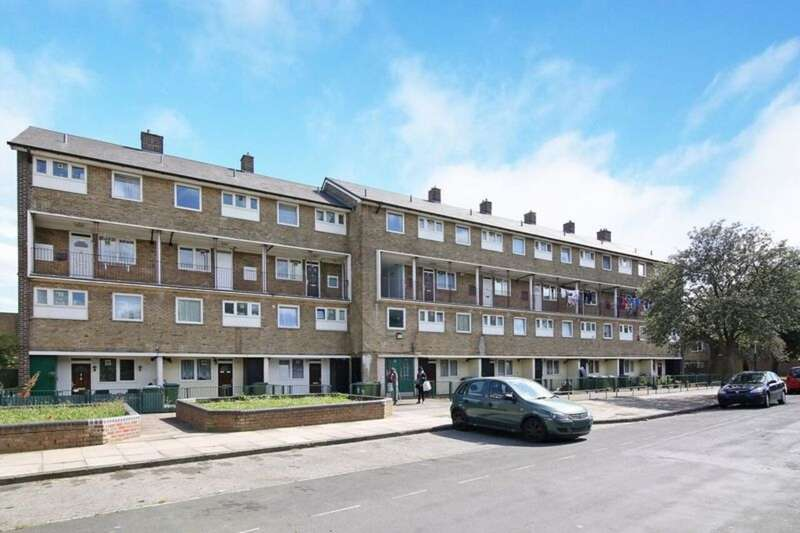 3 Bedrooms Apartment Flat for sale in Sewell Road , Abbey Wood SE2