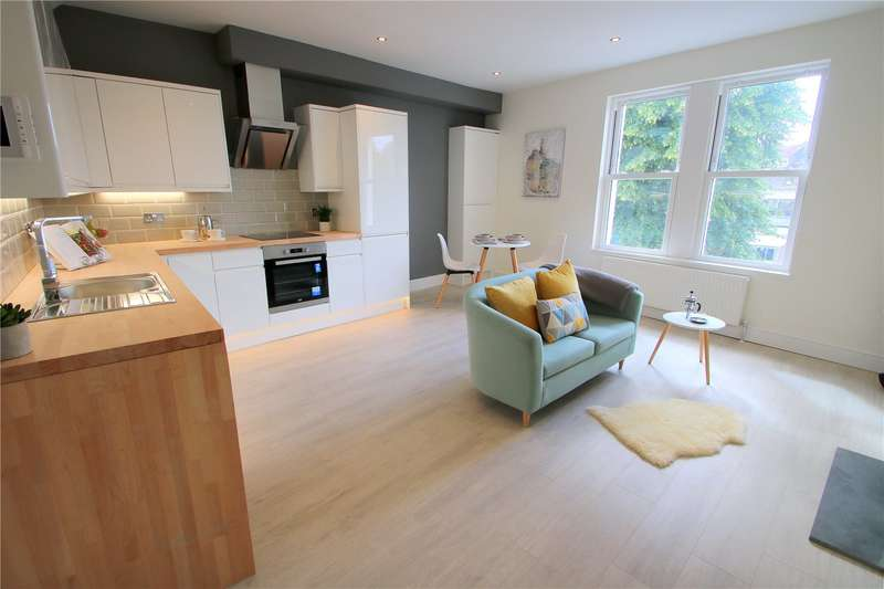 2 Bedrooms Maisonette Flat for sale in Dean Lane Southville BRISTOL BS3