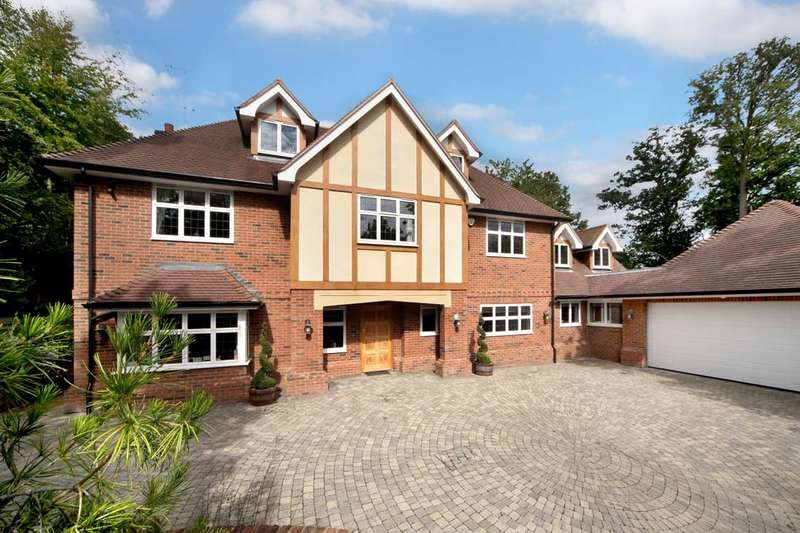 5 Bedrooms Detached House for sale in Whichert Close, Knotty Green, Beaconsfield, HP9